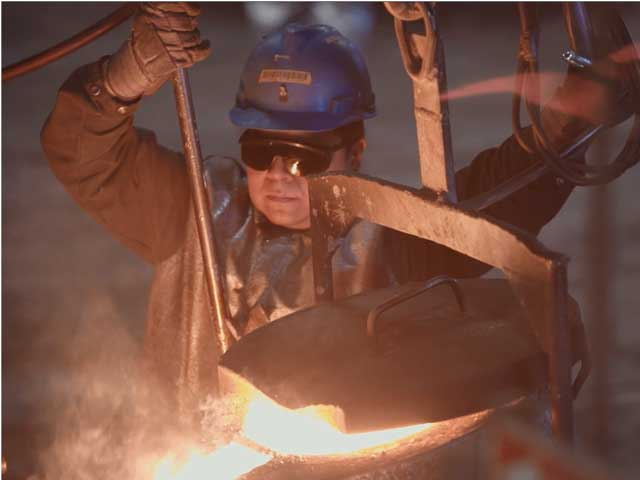 Pouring Ductile Iron Castings